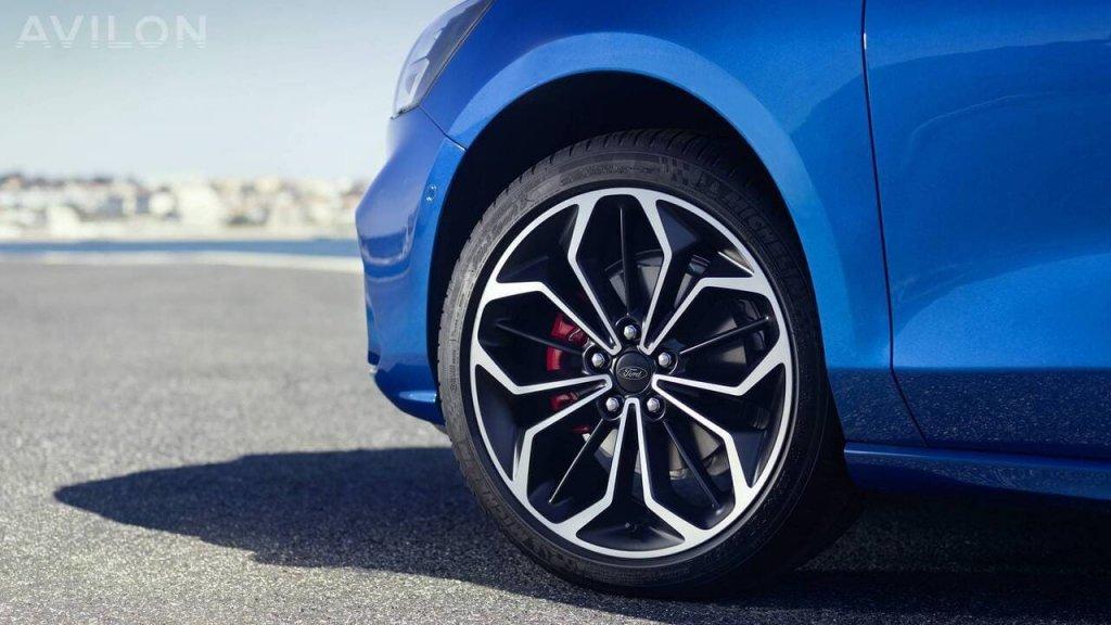 Как подобрать литые автомобильные диски?