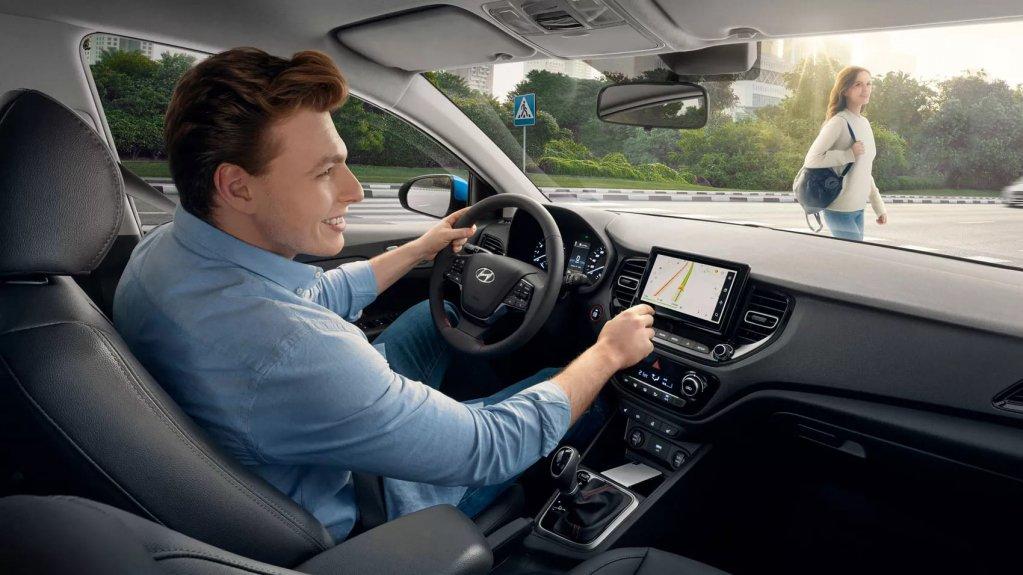 Интерьер Hyundai Solaris
