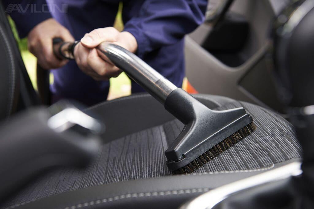 Как самому почистить салон автомобиля?