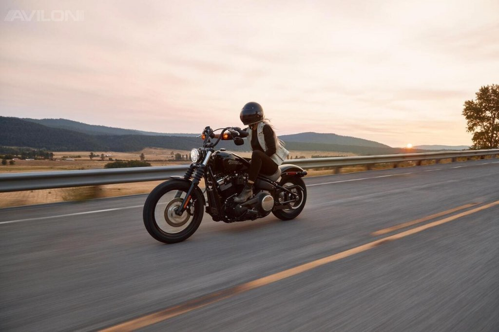 Как выбрать мотоцикл девушке?