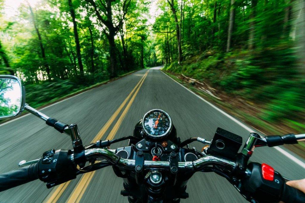Плюсы и минусы езды на мотоцикле