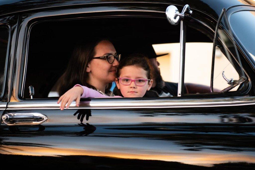 Как нельзя перевозить детей в машине?