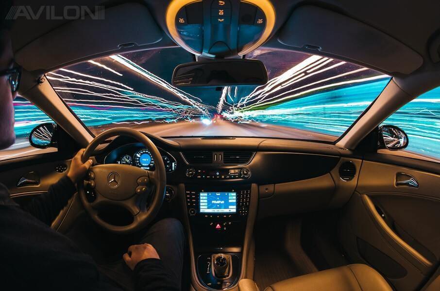 Что делать, если бьет током внутри машины?
