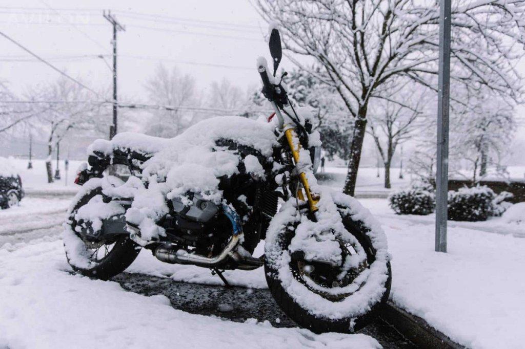 Что может произойти с мотоциклом зимой?